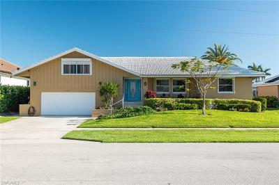 Marco Island Single Family Home For Sale: 841 Magnolia Ct