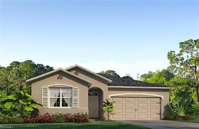 Cape Coral Single Family Home For Sale: 2618 Corona Ln