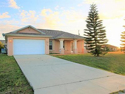 Cape Coral Single Family Home For Sale: 206 NW 8th Ter