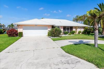 Cape Coral Single Family Home For Sale: 3302 SE 19th Pl