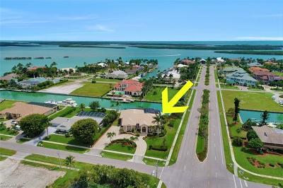 Marco Island Single Family Home For Sale: 1621 Caxambas Ct