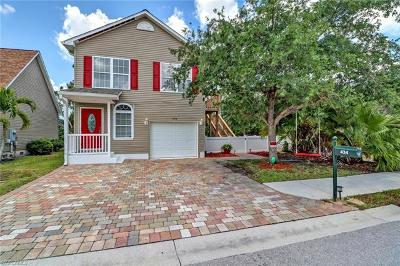Naples Single Family Home For Sale: 434 Leawood Cir