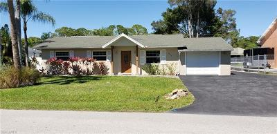 Bonita Springs Single Family Home For Sale: 4584 San Antonio Ln