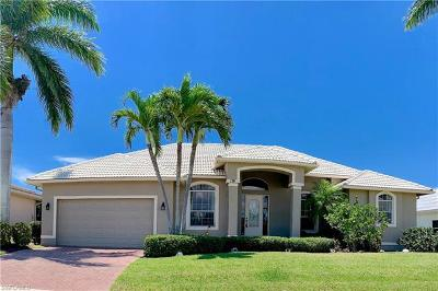 Marco Island Single Family Home For Sale: 176 Gulfport Ct