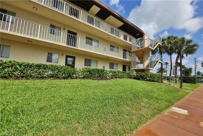 Naples Condo/Townhouse For Sale: 1022 Manatee Rd #D107