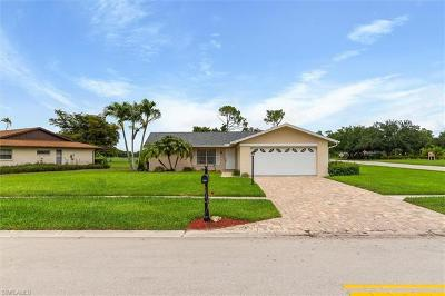 Naples FL Single Family Home For Sale: $300,000