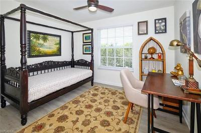 Fort Myers Condo/Townhouse For Sale: 4105 Residence Dr #717