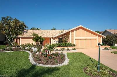 Naples Single Family Home For Sale: 1290 Foxfire Ln