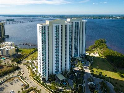 Fort Myers Condo/Townhouse For Sale: 3000 Oasis Grand Blvd #806