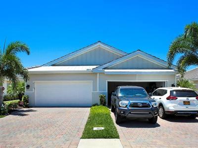 Naples Single Family Home For Sale: 14923 Edgewater Cir