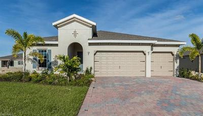 Cape Coral Single Family Home For Sale: 3410 Acapulco Cir