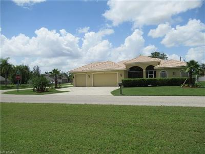 Cape Coral Single Family Home For Sale: 1216 SE 5th St