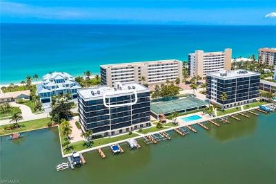 Naples Condo/Townhouse For Sale: 10420 Gulf Shore Dr #162