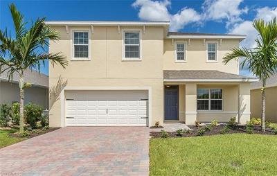 Cape Coral Single Family Home For Sale: 3453 Cancun Ct