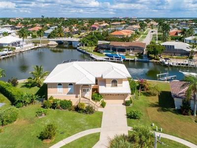 Marco Island Single Family Home For Sale: 449 Capri Ct