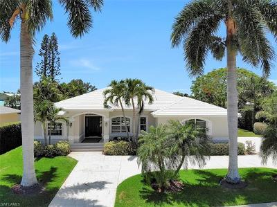 Marco Island Single Family Home For Sale: 564 Yellowbird St