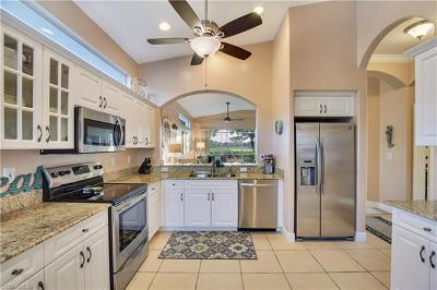 Naples Single Family Home For Sale: 8667 Ibis Cove Cir