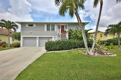 Marco Island Single Family Home For Sale: 430 Battersea Ct
