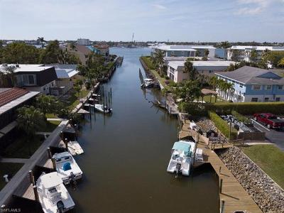 Naples Condo/Townhouse For Sale: 1400 Blue Point Ave #104