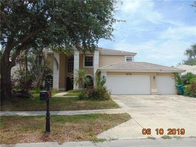 Naples Single Family Home For Sale: 2328 Heritage Greens Dr