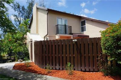 Fort Myers Condo/Townhouse For Sale: 6272 Westshore Dr #2