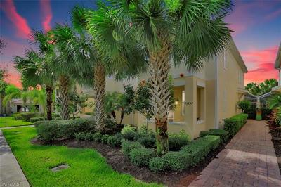 Bonita Springs Condo/Townhouse For Sale: 15259 Laughing Gull Ln