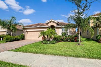Naples Single Family Home For Sale: 2391 E Heydon Cir