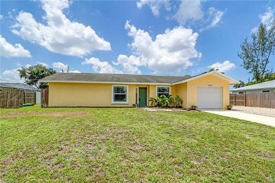 Naples Single Family Home For Sale: 4564 SW 28th Pl