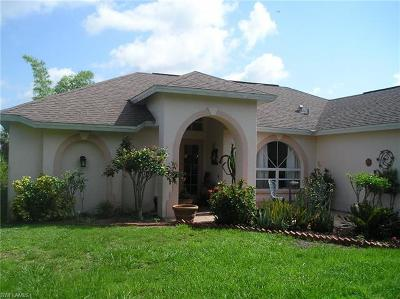 Naples Single Family Home For Sale: 3271 NE 22nd Ave