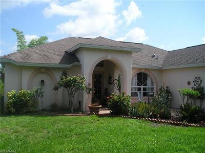 Naples Single Family Home For Sale: 3271 NE 22nd Ave
