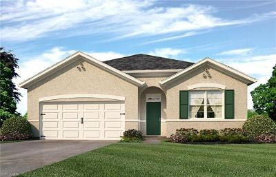 Cape Coral Single Family Home For Sale: 3302 Acapulco Cir