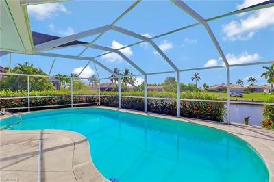 Marco Island Single Family Home For Sale: 1649 Briarwood Ct