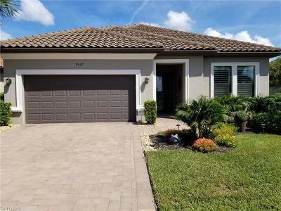 Naples Single Family Home For Sale: 8527 N Palacio Ter