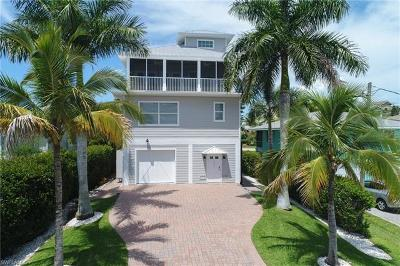 Bonita Springs Single Family Home For Sale: 26541 Hickory Blvd