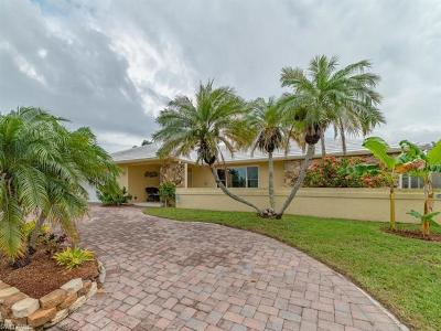 Marco Island Single Family Home For Sale: 1608 Villa Ct