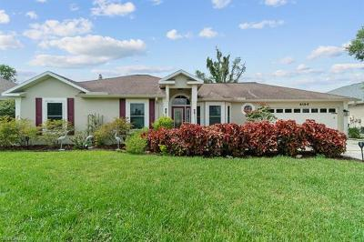 Naples Single Family Home For Sale: 6164 Woodstone Dr