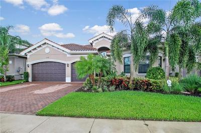 Naples Single Family Home For Sale: 2704 Crystal Way