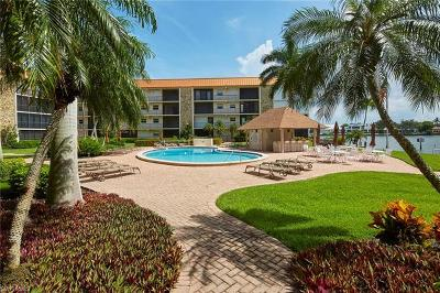 Naples Condo/Townhouse For Sale: 2900 N Gulf Shore Blvd #113