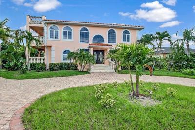 Naples Single Family Home For Sale: 9980 Vanderbilt Dr