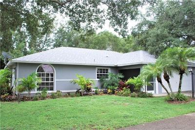 Bonita Springs Single Family Home For Sale: 26824 Robinhood Ln