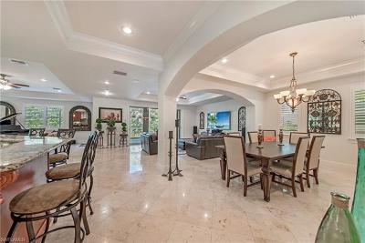 Naples Single Family Home For Sale: 2911 Coco Lakes Dr