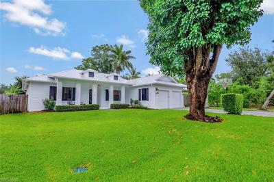 Naples Single Family Home For Sale: 747 Myrtle Ter