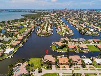Marco Island Single Family Home For Sale: 130 Hollyhock Ct