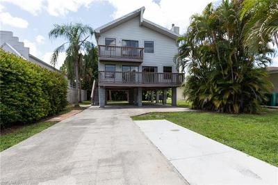 Naples Single Family Home For Sale: 626 N 111th Ave