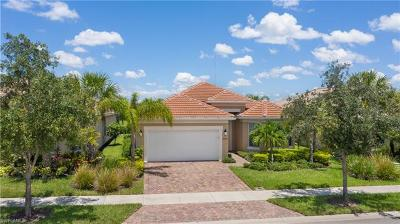 Bonita Springs Single Family Home For Sale: 28080 Quiet Water Way