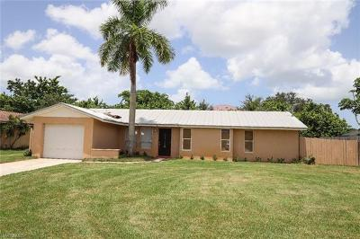 Naples Single Family Home For Sale: 4240 Pearl Harbor Dr