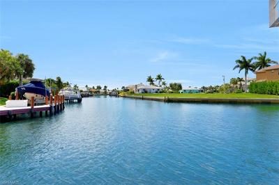 Marco Island Single Family Home For Sale: 1691 Barbados Ct