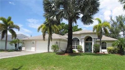Cape Coral Single Family Home For Sale: 1703 SW 3rd Ter