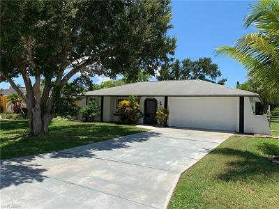 Cape Coral Single Family Home For Sale: 1922 SE 8th St
