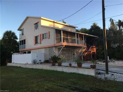 Bonita Springs Single Family Home For Sale: 6000 Cypress Ln